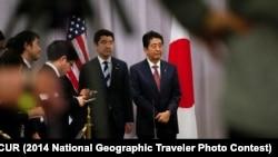Japanski premijer Šinzo Abe na press konferenciji nakon susreta sa Donaldom Trampom