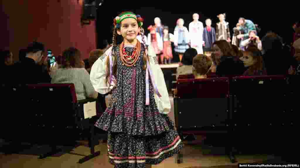 Моделями стали учасники дитячого фольклорного колективу