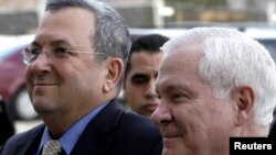 Israeli Defense Minister Ehud Barak (left) with U.S. Secretary of Defense Robert Gates at the Pentagon on February 25