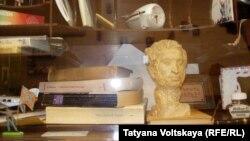 Фрагмент экспозиции музея-квартиры Иосифа Бродского в Санкт-Петербурге