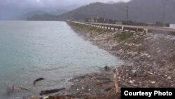 Smeće na jezeru kod Virpazara nakon poplava u januaru ove godine, Foto: PCNEN