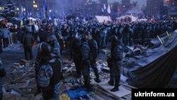Співробітники спецпідрозділу «Беркут» на Майдані Незалежності під час Революії гідності. Київ, грудень 2013 року