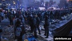Спецпідрозділ «Беркут» на Хрещатику, Київ, 11 грудня 2013 року
