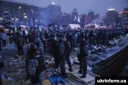 Спэцпадразьдзяленьне «Бэркут» у цэнтры Кіеву, сьнежань 2013