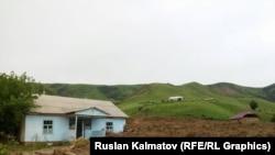 Жер көчкү жүргөн айыл, Сузак, 2015-жыл