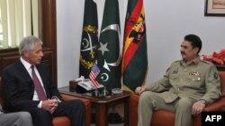Pakistan - Shefi i Shtatmadhorisë së ushtrisë së Pakistanit, Gjenerali Raheel Sharif takon sekretarin amerikan të shtetit Chuck Hagel, 09 dhjetor, 2013