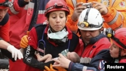 Накануне удалост спасти двухмесячную девочку
