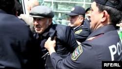 Polis «Azadlıq» blokunun bundan əvvəlki aksiyalarının qarşısını alıb