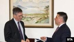 Министърът на правосъдието Данаил Кирилов се срещна с временно управляващия австралийското посолство в Атина, което отговаря и за България, Джон Филп във вторник
