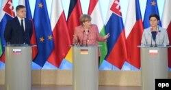 Встреча в Варшаве. Слева направо: Роберт Фицо, Ангела Меркель, Беата Шидло