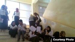 طالبات من كلية ابن الهيثم