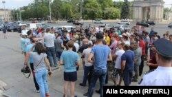 Şoferii protestatari aşteptaţi joi la guvern