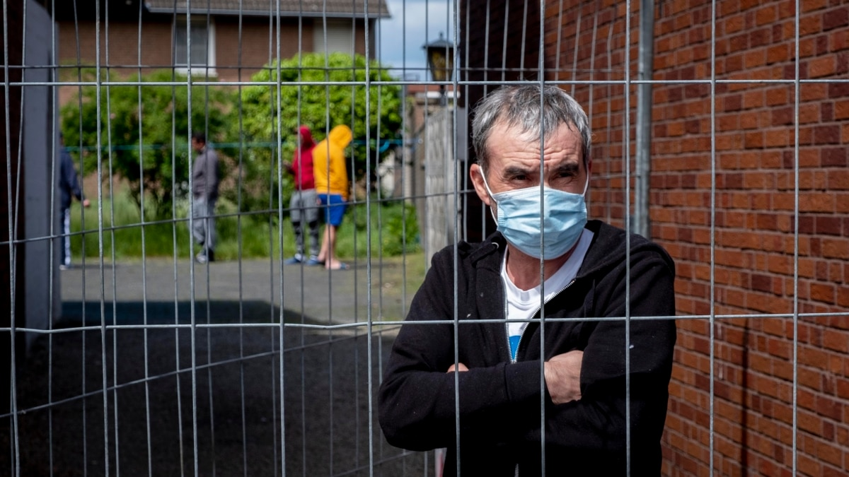 Румынские мигранты заражаются COVID-19: пандемия освещает плохие условия для восточноевропейских рабочих в ЕС