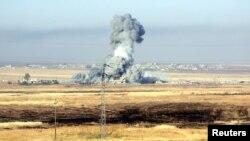 روستاهای اطراف موصل که در کنترل داعش قرار دارند، هدف حملات کردها و نیروی هوایی آمریکا قرار گرفتهاند.