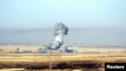 Дым от бомбардировок коалиции во главе с США