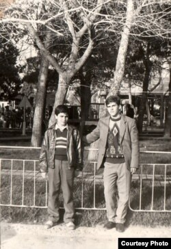 Yazıçı Seymur Baycanın uşaqlıq illəri