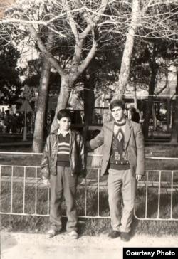 Seymur Baycan (solda)