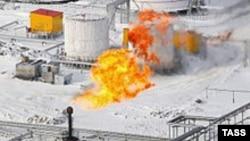 Из добываемых в России 55-60 миллиардов кубометров ПНГ на переработку идет четверть, а от 30-45% попросту сжигается