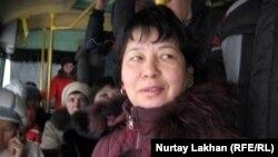 Кондуктор автобуса Фатмагуль. Алматы, 22 ноября 2012 года.