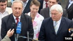 Переговоры между Франком-Вальтером Штайнмайером и Сергеем Багапшем состоялась в Гали 18 июля 2008 г.