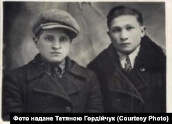 Брати Павлюки: Семен (ліворуч) і Григір (праворуч)