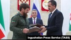 Кадыров и Евкуров во время подписания договора