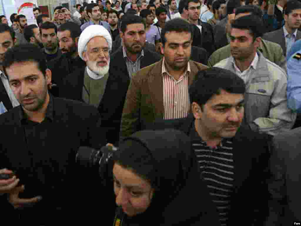 Iran -- Mehdi Karubi former parliament speaker and head of reformist Etemad Melli party at 16th International Festival and Fair of Press and News Agencies, Tehran, 23Oct2009
