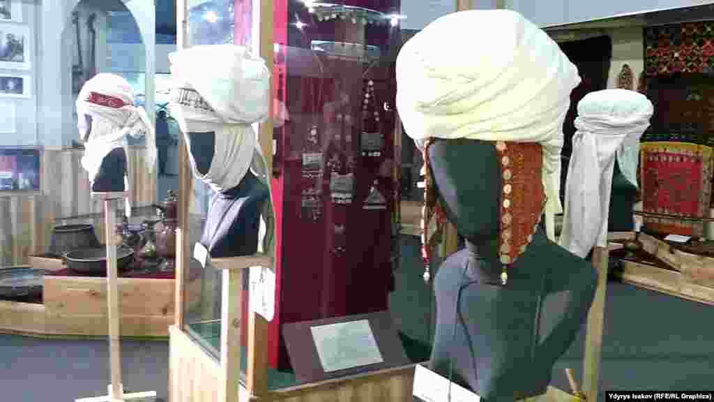 Кыргыз элинин турмушунда аялдардын элечеги жарат таңууга, баланы ороого жана кепин катары да иштетүүгө колдонулган