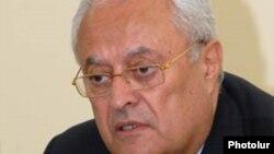 Министр энергетики и природных ресурсов Армении Ерванд Захарян