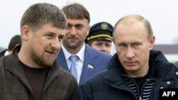 Ramzan Kadirov (lijevo) i Vladimir Putin