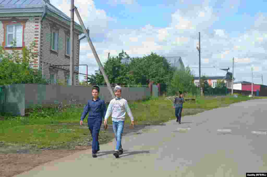 Кече Ырбишча авылы егетләре