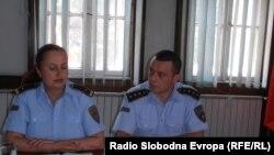 Виолета Богдановска, началник на Секторот за превенција при СВР Куманово и Командирот од општа надлежност, Антон Витковски.