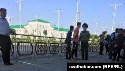 Железнодорожная станция, Туркменистан (архивное фото)
