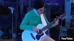 Not even the widely reputed guitar-playing skills of Turkmen President Gurbanguly Berdymukhammedov could deflect unpleasant questions about torture and murder.