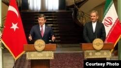 اسحاق جهانگیری، معاون اول رئیس جمهوری ایران و احمد داوداغلو، نخستوزیر ترکیه. در تهران