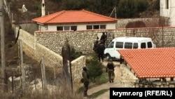 Yanvar 30-da Ahtem Çiygoznıñ evinde tintüv