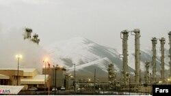 Тегерандан 190 км түштүк-батыштагы Арак атомдук ишканасы.