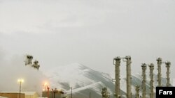 ایران اصرار میورزد که برنامه هستهای اش فقط اهداف صلحآمیز دارد.