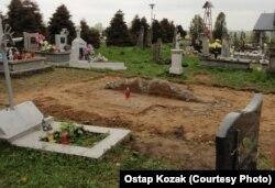Місце, де стояв пам'ятник воїнам УПА, 27 квітня 2017 року (фотографія Остапа Козака)