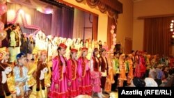 Фестивальдә катнашучылар йомгаклау концертында