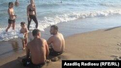Каспийский берег (архивное фото)