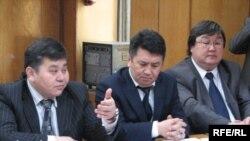 Представители кыргызских властей вели переговоры с оппозицией в Бишкеке. 10 марта 2009 г.