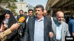 مهدی هاشمی هنگام معرفی خود به زندان اوین