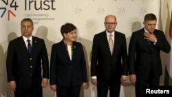 Прем'єр-міністри країн Вишеградської четвірки Віктор Орбан, Беата Шидло, Богуслав Соботка, Роберт Фіцо (л > п), Прага, 15 лютого 2016 року