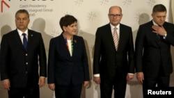 Премьер-министр Венгрии Виктор Орбан, премьер-министр Польши Беата Шидло, премьер-министр Чехии Богуслав Соботка и премьер-министр Словакии Роберт Фицо
