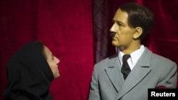 مجسمه مومی آدولف هیتلر در موزه نیاوران تهران