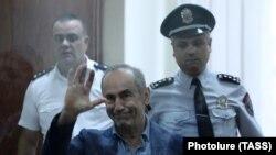 Роберт Кочарян в суде (архив)
