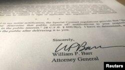 Prokurori i Përgjithshëm, Bill Barr ka nënshkruar një përmbledhje të raportit të Këshilltarit të Posaçëm, Robert Mueller.
