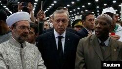 Мухаммед Али менен коштошуу зыйнатына Түркия президенти Режеп Тайып Эрдоган да барды.