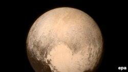 Plutonun kosmik aparatdan çəkilmiş fotosu